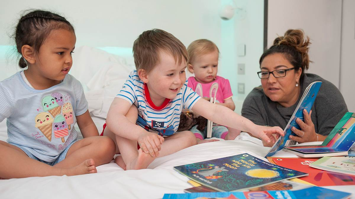 Jo Frost reading with children